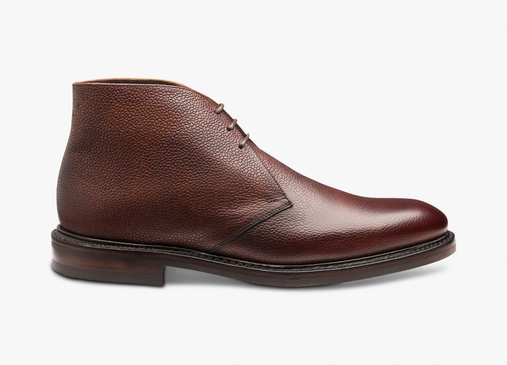 Brown chukka boots - best autumn shoes for men
